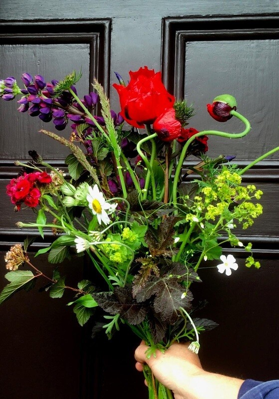 Fortnightly Friday: £10 posy every fortnight for three months.
