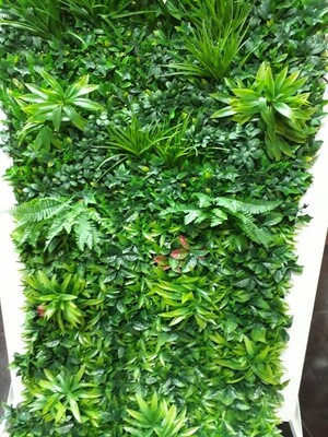 Внутреннее зелёное покрытие 100х100см