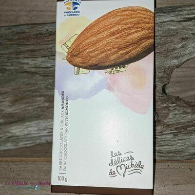 Barre de chocolat noir aux amandes