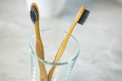 Brosse à dent adulte  en bambou - Charbon