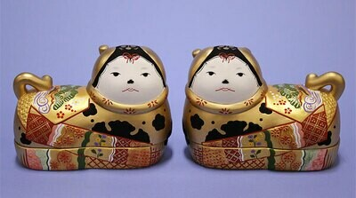 INUBAKO POTTERY: A pair of big size gold color