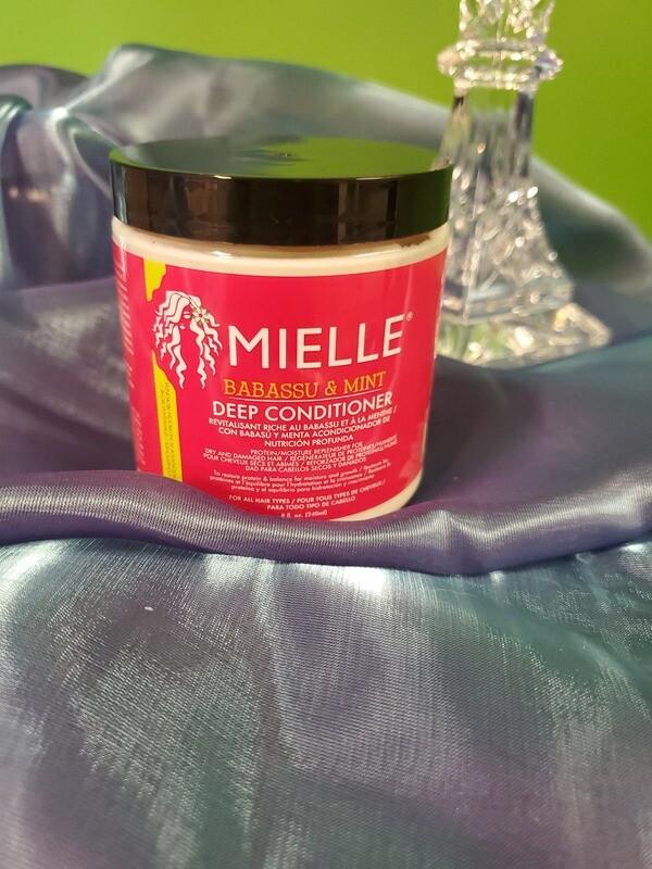 Mielle Organics- Babassu & Mint Deep Conditioner