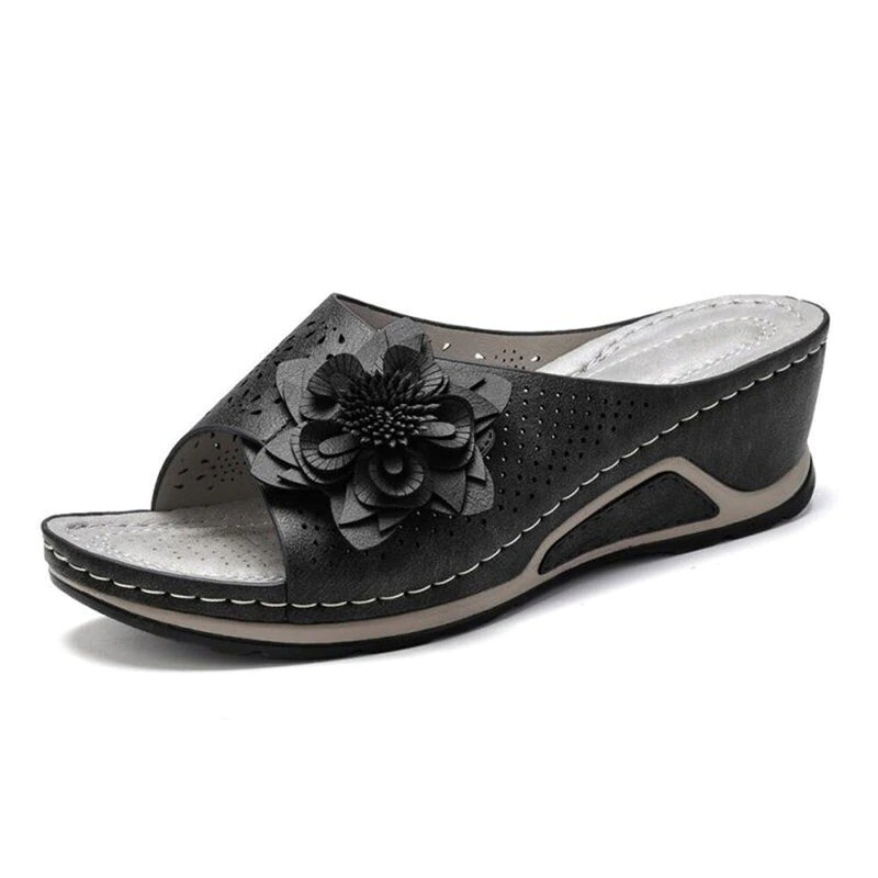 2021 Summer Collection Women Summer Casual Flower Embroidered Comfortable Sandals