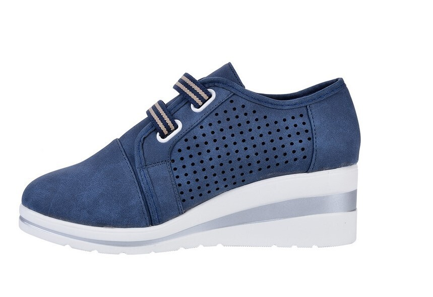 New Casual High Heels Sneakers For Women Breathable Flat Square Sole Design