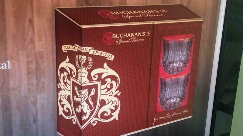 ESTUCHE WHISKY BUCHANAN'S 12 AÑOS 750 ML+ 2 VASOS TEMPORADA 2020