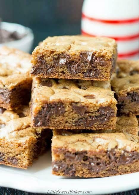 Chocolate Chip Cookie Slabs (16pcs)