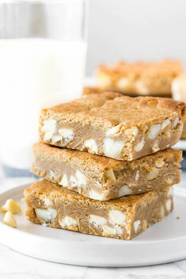 White Chocolate & Hazelnut Cookie Slabs (16pcs)