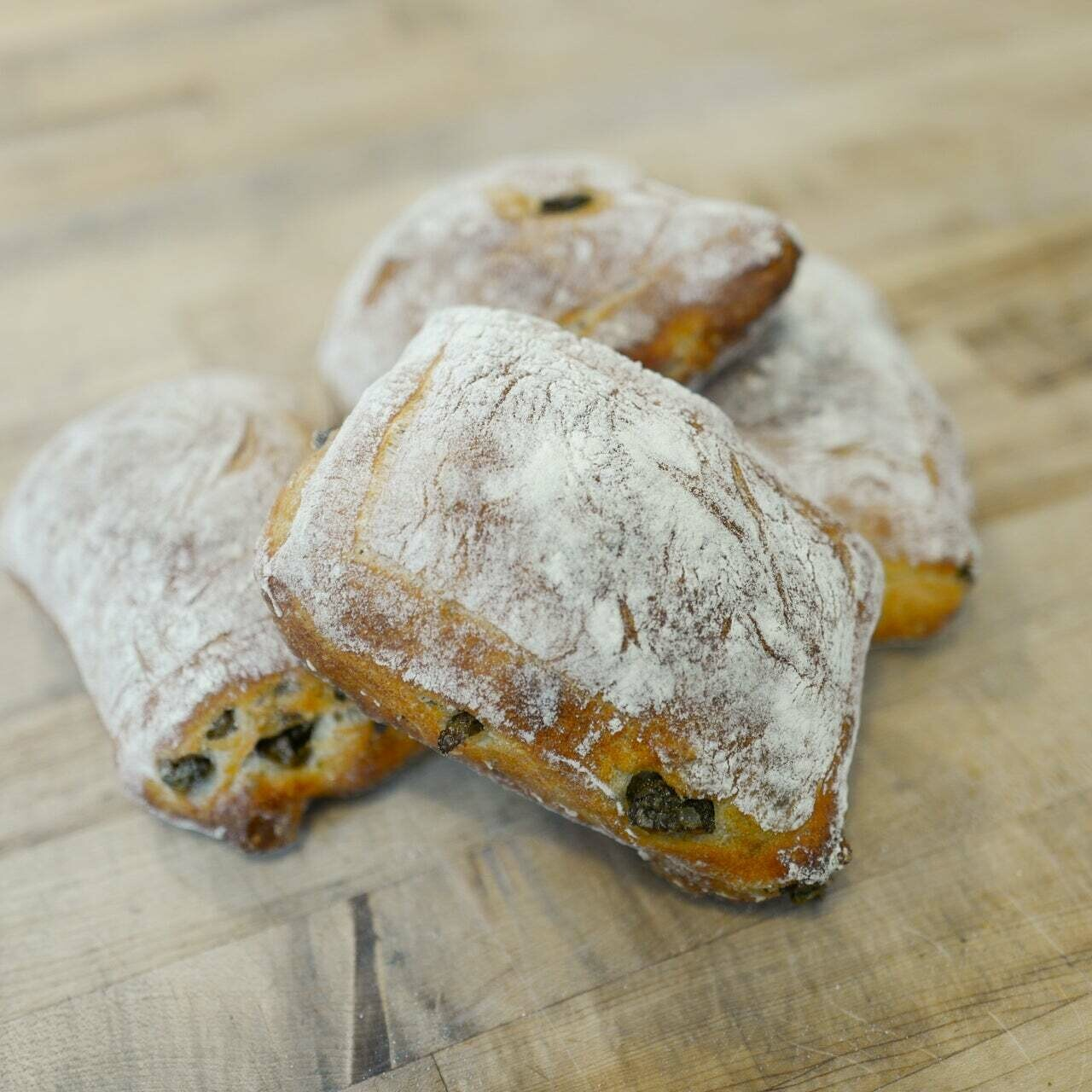 Clear Flour Roll Olive