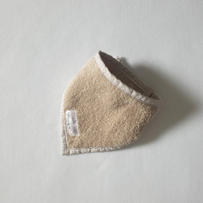 "Bandana Bib ""Stone Towel"""