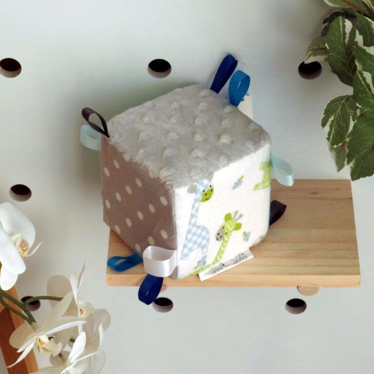 "Soft Toy Cube ""Green Giraffe"""