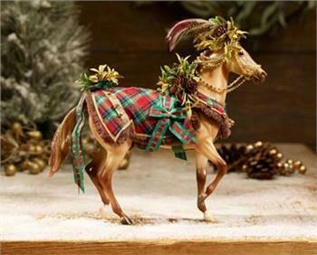 Breyer Christmas Woodland Splendor Horse (2016)