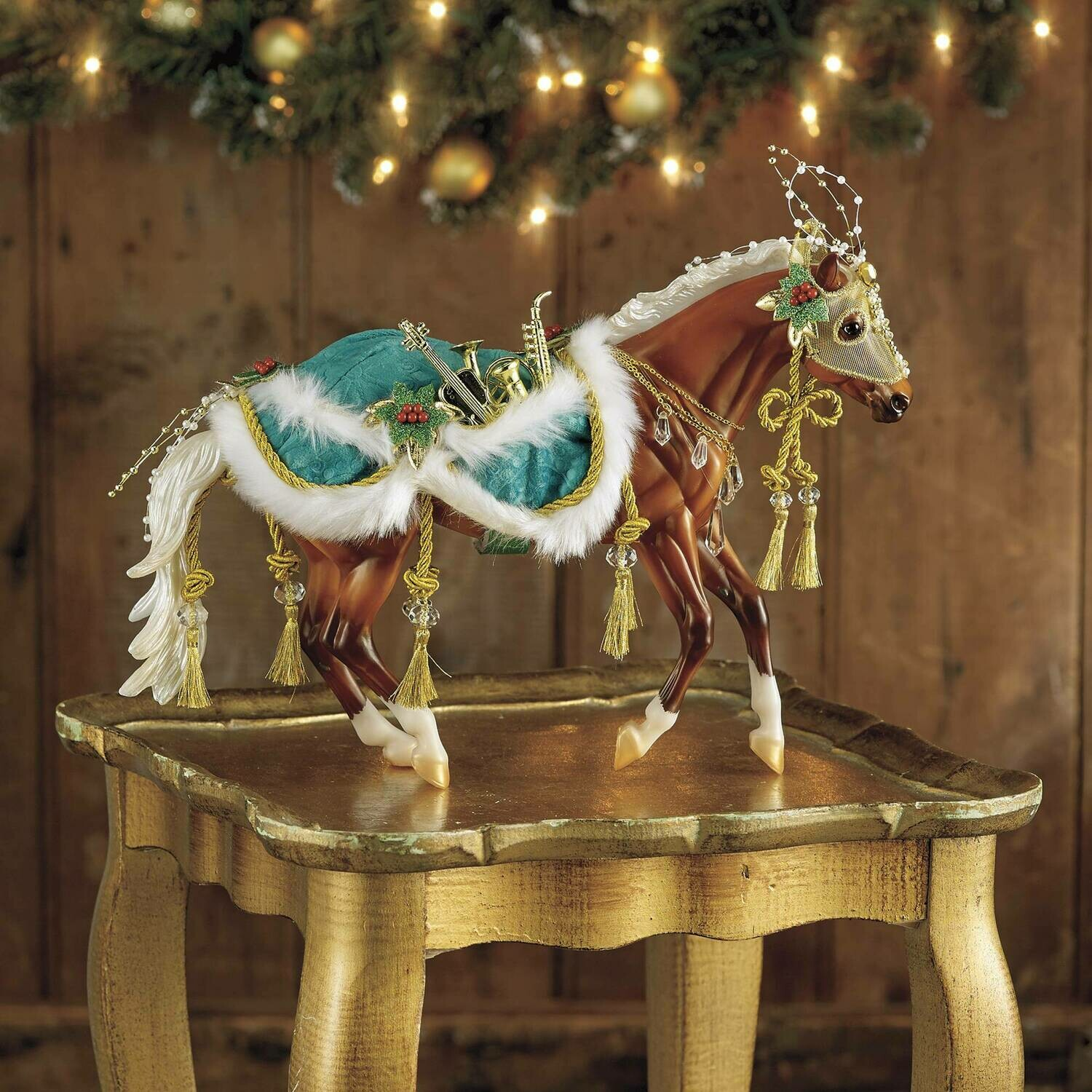 Breyer 2019 Minstrel (Retired, Holiday Horse)