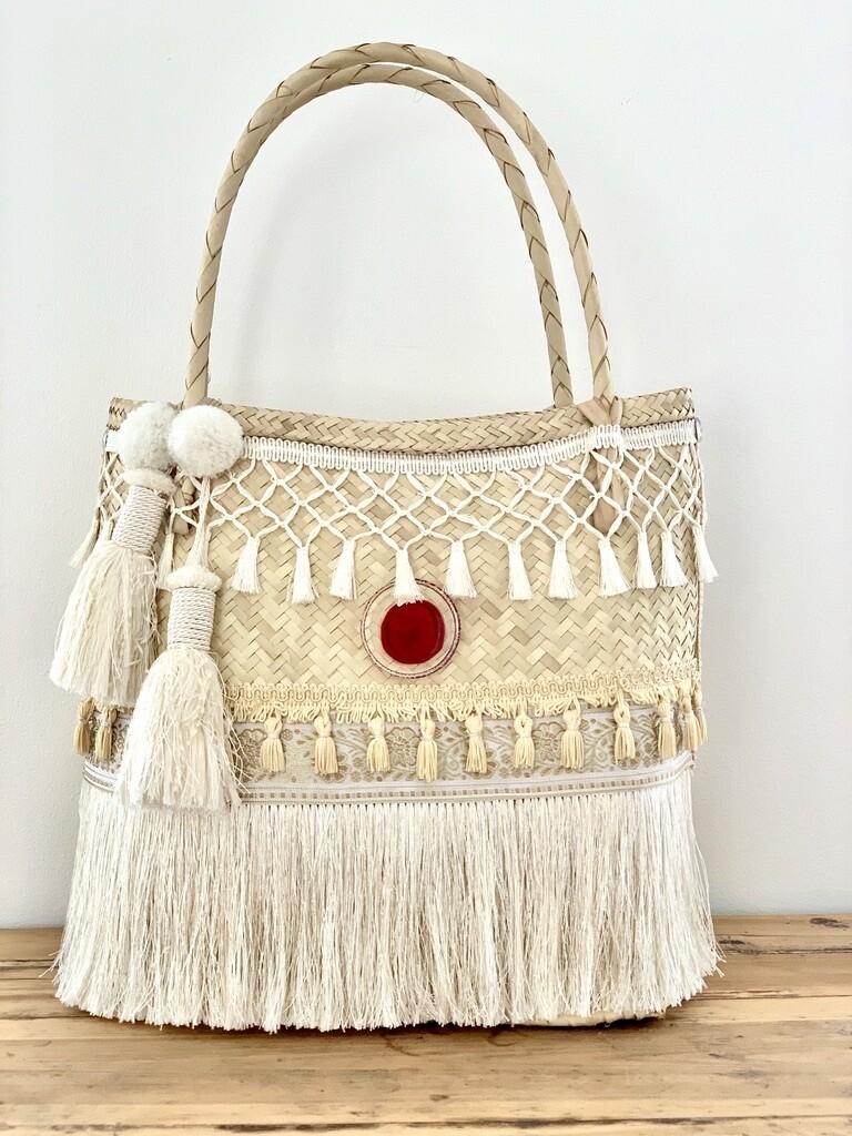 Gootchi Handbag/Understated Elegance