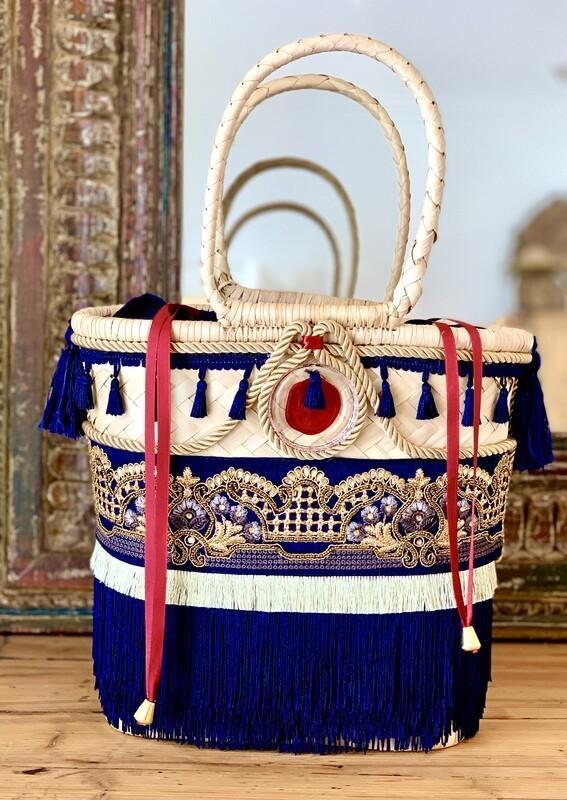 Gootchi Tote Style Handbag