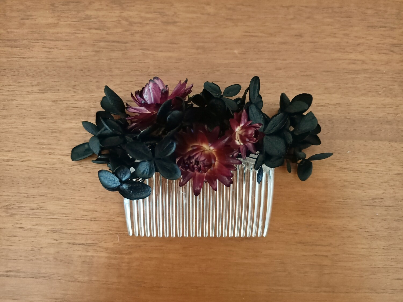 BLACK HYDRANGEA HAIR COMB