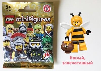 Девочка в костюме пчелы