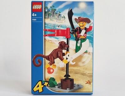 Пират и обезьянка