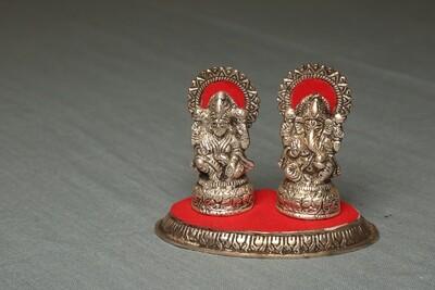 Laxmi Ganesh On Oval Chowki