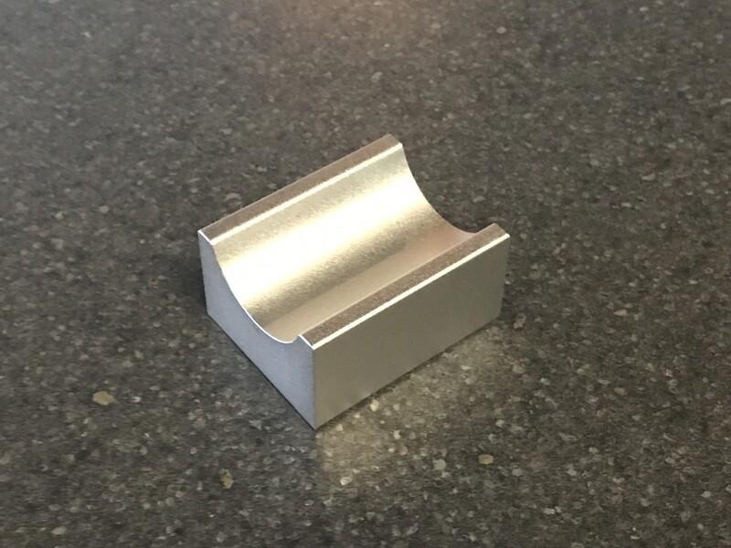 Metal cigar holder stand
