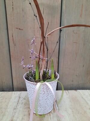 Tulpen im Blechtopf
