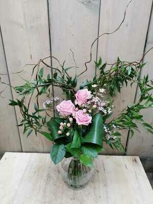 Herzblatt mit bunten Rosen