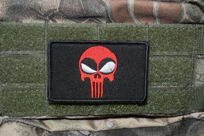 Patch US Deadpool Punisher avec scratch au dos