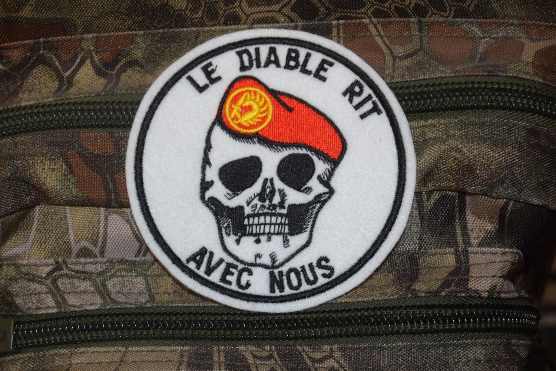 Patch Le diable rit avec nous Parachutiste Béret Rouge