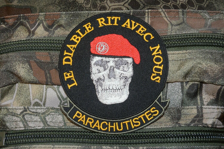 Patch Parachutistes le diable rit avec nous