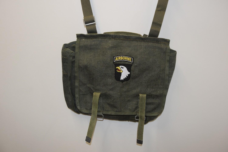 Musette avec insigne brodé 101e Airborne