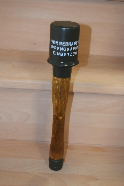 Reproduction Grenade à main M24 Allemande en bois