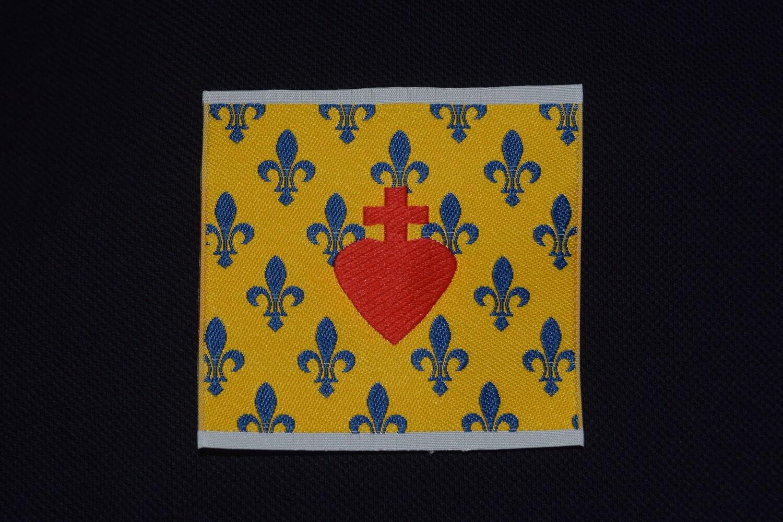 Insigne Sacré Cœur de Jésus Royaliste Fleurs de Lys
