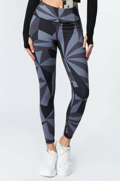 Active High Rise Geo Print Workout Legging