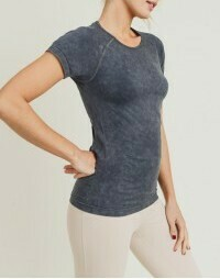 Mineral-Washed Perforated Back Seamless Raglan Shi