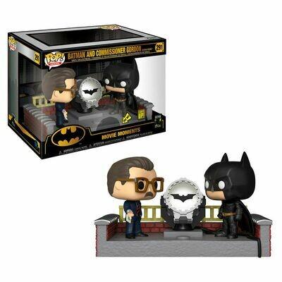 POP Figure DC Comics Batman 80th with Light Up Bat Signal