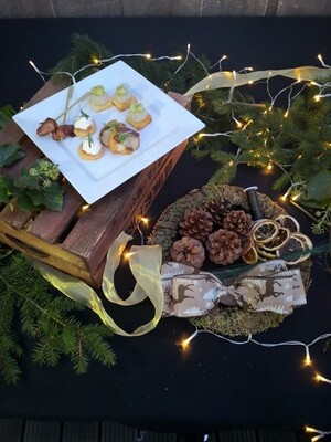 Canapes and Christmas Wreath Box