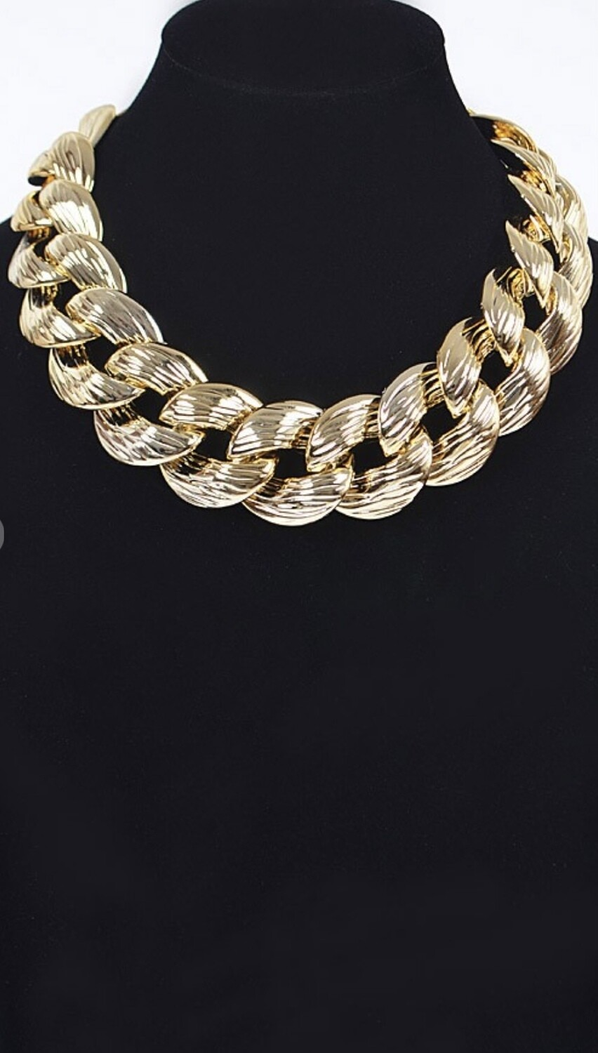 Solid Oversized Chain