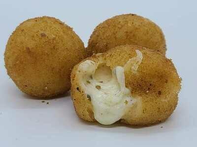 Bolinha de Queijo (Cheese Bites)