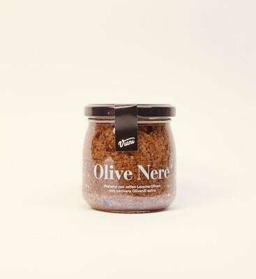 Pestato von reifen Leccino Oliven mit nativen Olivenöl extra