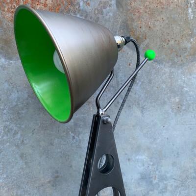 Industrial Desk Lamp (Green)