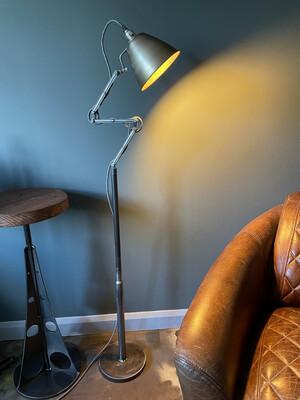 Floor Standing Articulated Industrial Lamp
