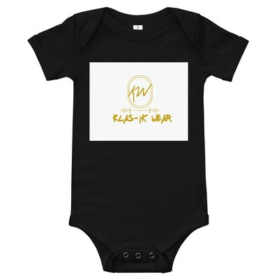 Unisex baby klas-¡k wear snap button onesie with gold lettering