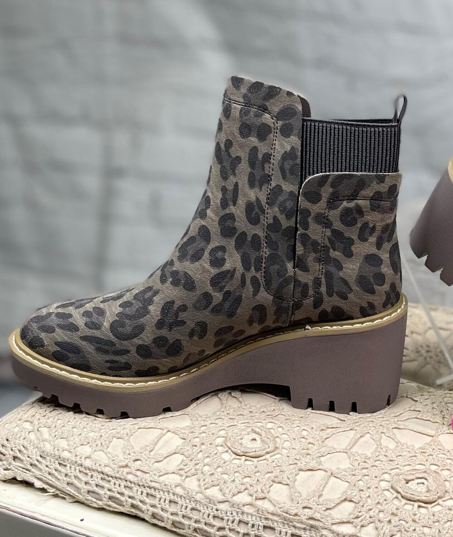 Sandi Boot