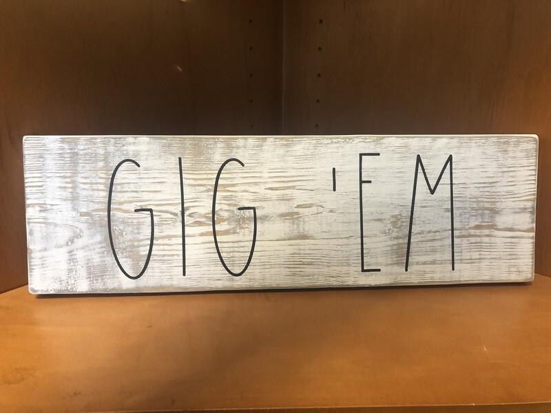 Texas A&M Gig'Em Distressed Sign