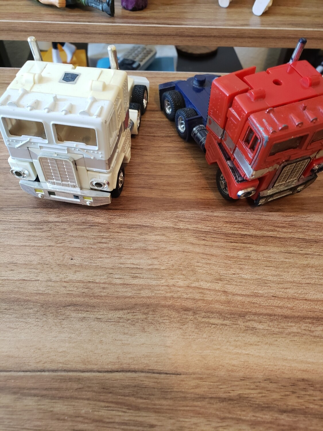 Transformers optimus with trailer and ultra magnus cab