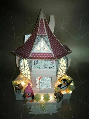 maison hobbit thème noël coloris rose poudré et blanc