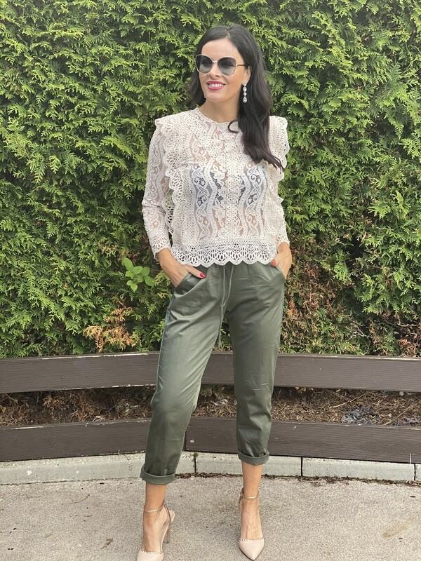 'L Lace' Cream Fitted Blouse