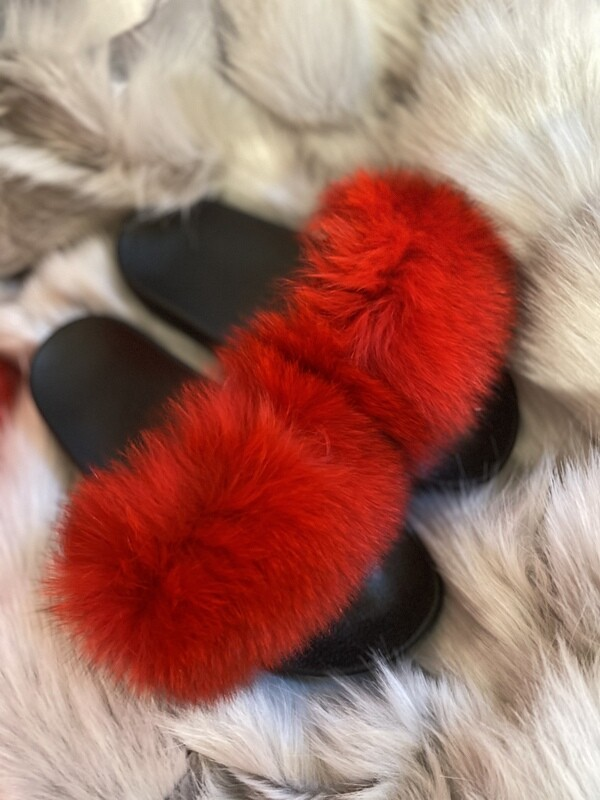 'Super Soft' Fun Fur Sliders / Slippers