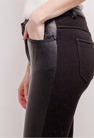'Magic Jeans' in Black