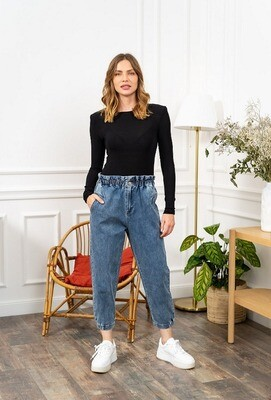 'Comfy Cropped Jeans' in Blue Denim