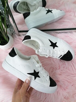'Super Star' trainer in White with Black Detail